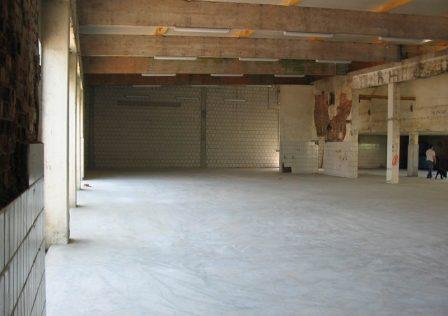 Entsorgungskonzept: Gebäude nach Entkernung, mit neuer Bodenplatte